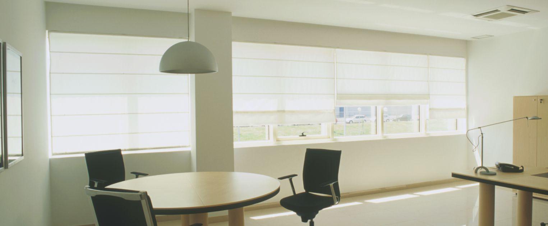 cortinas-romanas-para-empresas